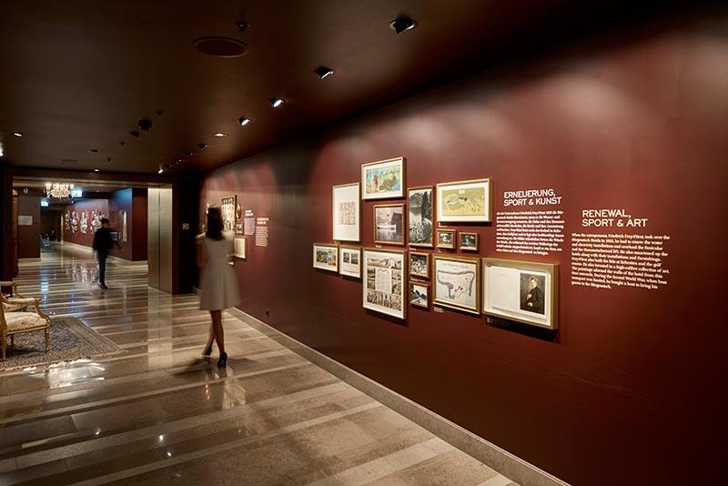 Der History Walk verbindet die Hotels Bürgenstock und Palace und zeigt die Geschichte des Bürgenstock Resorts von 1871 bis heute. Da Wechselausstellungen geplant sind, wählte Sektor4 flexible Pixel-Strahler von iGuzzini aus.